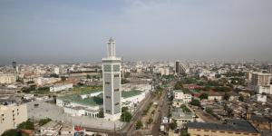 DKR-la-grande-mosquee-ou-l-embleme-de-l-art-musulman-a-dakar-2_1-1024x512